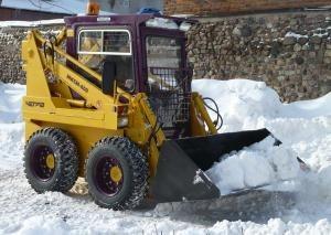 уборка снега погрузчиком МКСМ-800