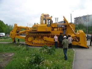 T-800 гусеничный трактор