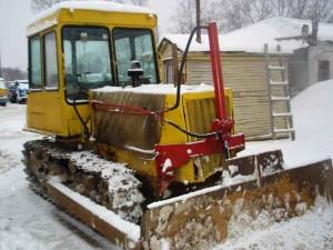 бульдозер на основе трактора ДТ-75