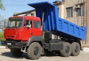 Самосвал Урал 6370 в действии