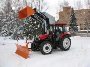 трактор ЛМЗ-804 и навесное оборудование
