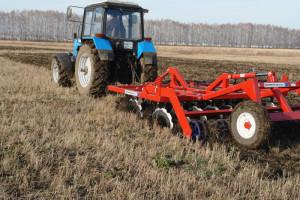 использование трактора МТЗ-1221