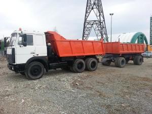 самосвал МАЗ-551605 с прицепом