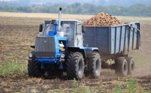 трактор Т-150 с прицепом
