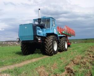 трактор е-150 в сельском хозяйстве