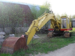 экскаватор эо-4121 с ковшом