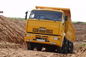 Экономичный самосвал КамАЗ 6520 для перевозки грузов