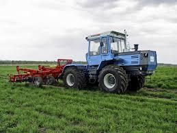 трактор хтз 17221 обработка земли