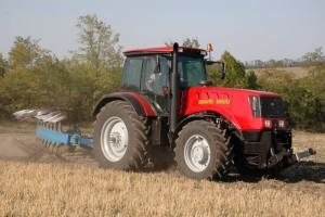 трактор мтз 3022 обработка земли