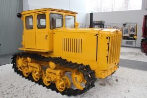 трактор ДТ-54