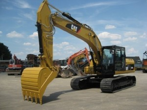 экскаватор caterpillar 320 dl с ковшом