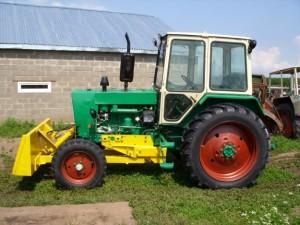 трактор юмз-6 с навесным оборудованием