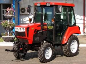 Трактор МТЗ 422 с расширенными возможностями агрегатирования