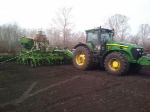 трактор john deere 7830 в работе