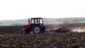 трактор мтз 952 работа в поле