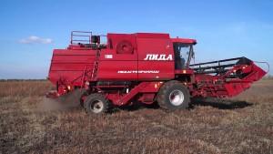 зерноуборочный комбайн лида 1300