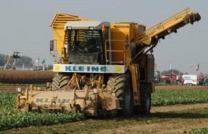 Свеклоуборочные комбайны для сборки и очистки урожая